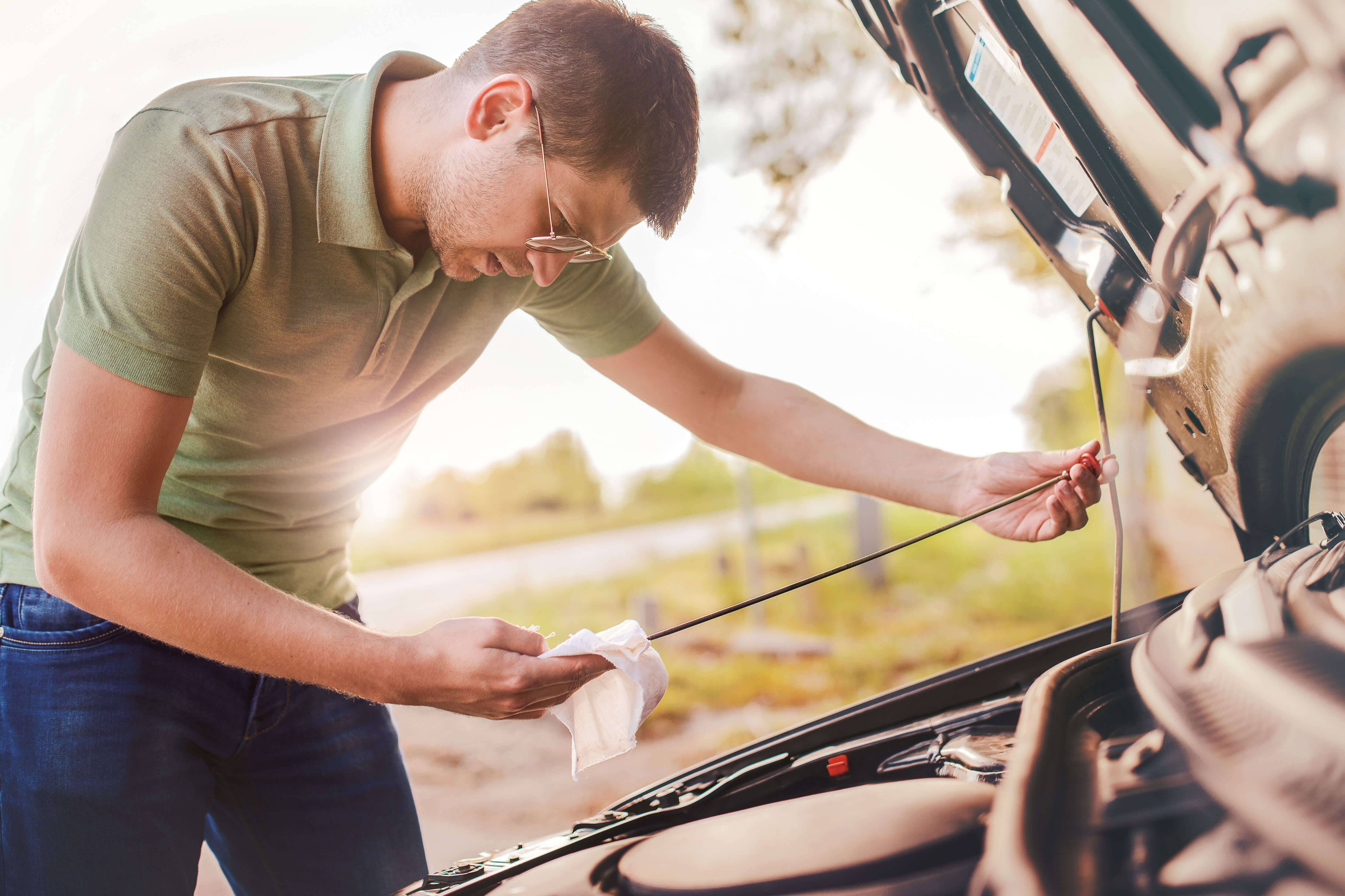 Tecnic Driving Schools give you five tips on how to properly maintain a vehicle.